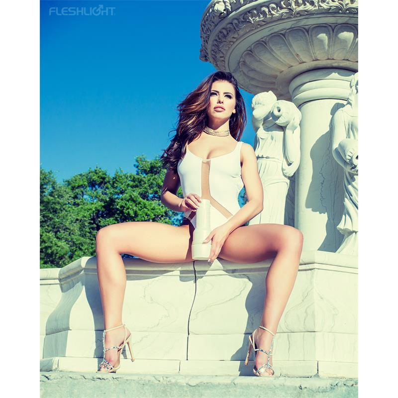 Fleshlight Girls Masturbator Adriana Chechik Empress